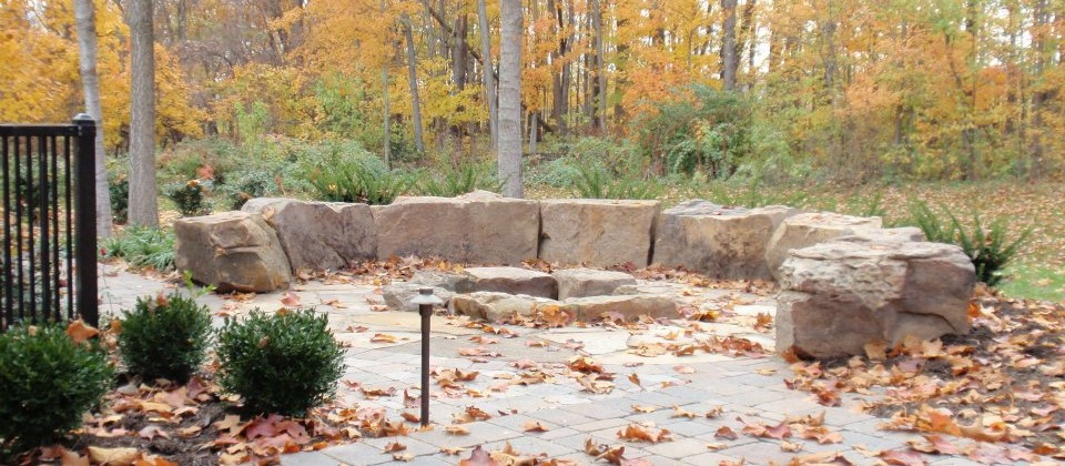 Landscape Seating With Indian Creek Boulders Green Stone