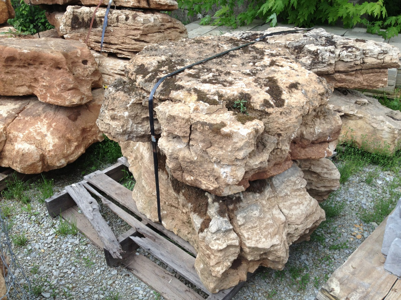 Boulders_Weathered Limestone _Product Photo