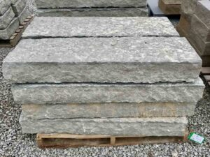 48-canyon-gray-sanpped-steps-4ft-step-green-stone-natural-stone-landscape-supplier
