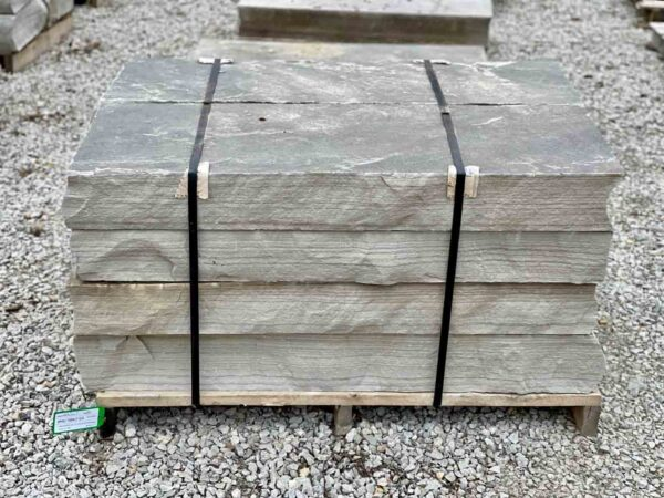 48-cumberland-mountain-blue-snapped-steps-4ft-step-green-stone-natural-stone-landscape-supplier