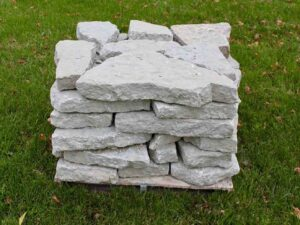 canyon-gray-natural-wall-retaining-stone-wall-green-stone-natural-stone-landscape-supplier