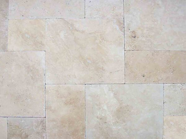 classic-premium-travertine-patio-pool-deck-stone-patterned-natural-stone-supplier-greenstone-hardscape-supply