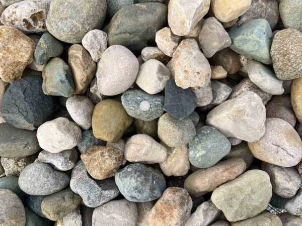 glacial-granite-cobbles-3-5-boulders-ledgerock-greenstone-natural-stone-supplier-landscape-supply