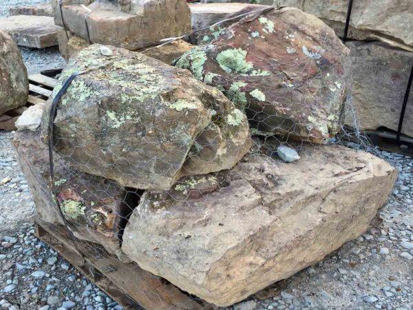 ozark-boulders-boulders-ledgerock-greenstone-natural-stone-supplier-landscape-supply