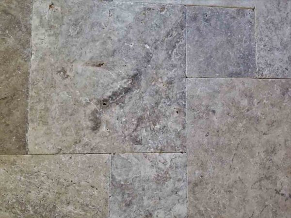 silver-gray-travertine-patio-pool-deck-stone-patterned-natural-stone-supplier-greenstone-hardscape-supply