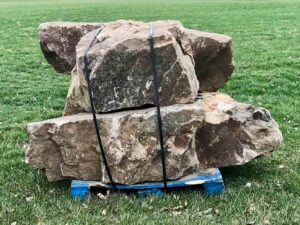 weathered-sandstone-stack-boulders-ledgerock-greenstone-natural-stone-supplier-landscape-supply
